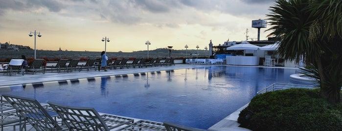 Four Seasons Hotel Bosphorus is one of Lugares favoritos de Zeynep.