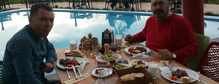 Suresto Restaurant is one of สถานที่ที่บันทึกไว้ของ Ercan.