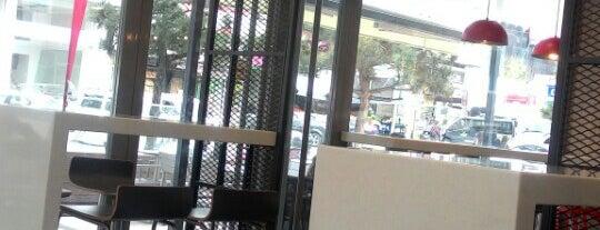 KFC is one of Tempat yang Disimpan Esra.