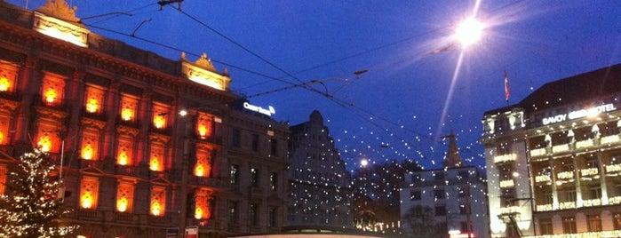 Paradeplatz is one of Lugares donde estuve en el exterior.
