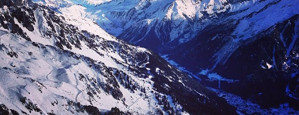 Chamonix-Mont-Blanc is one of Lugares favoritos de Justin.