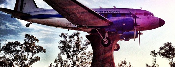 Hangar Presidencial is one of Condechi.