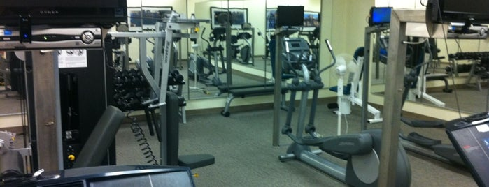 The BreakWater Condo Fitness Room is one of Locais curtidos por Stevie.