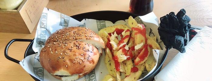Costela Burgerhouse is one of Lugares favoritos de Mahide.