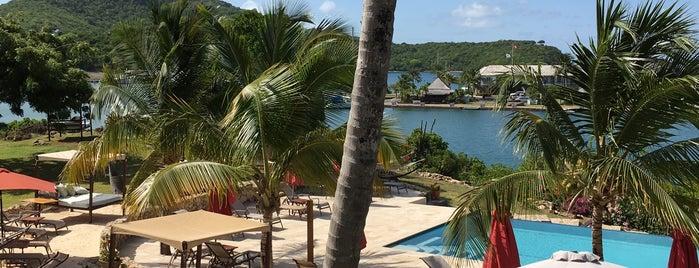 Admirals Inn Antigua is one of Posti che sono piaciuti a Charlie.
