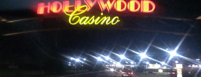 Hollywood Casino at Charles Town Races is one of Giovanniさんのお気に入りスポット.