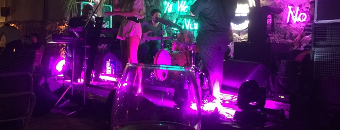Râdde Lounge is one of İzmir2.