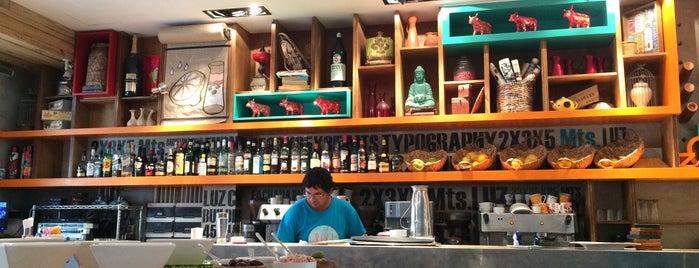 Bixi Coffee House is one of Locais salvos de vc.
