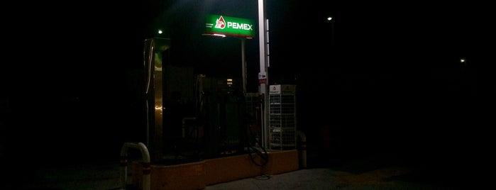Servicio Ultramoderno (Gasolinería) is one of Locais curtidos por Sergio.