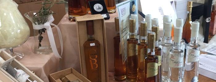 Distillerie Peroni Maddalena is one of Lugares favoritos de Sandybelle.