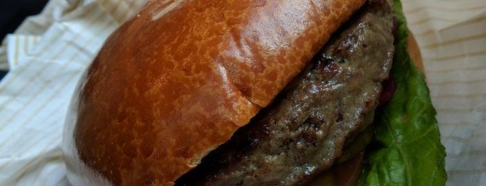 America Burgers is one of Locais curtidos por Sharon.