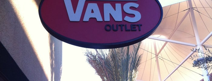 Vans Outlet is one of Kevin : понравившиеся места.