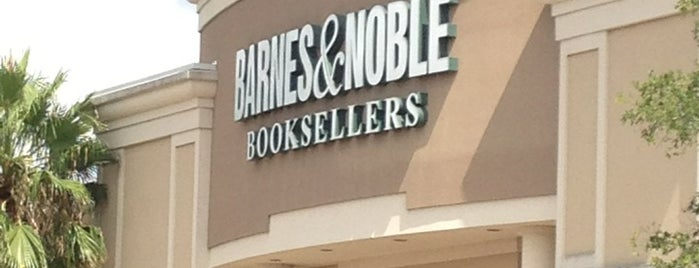 Barnes & Noble is one of Gespeicherte Orte von barbee.