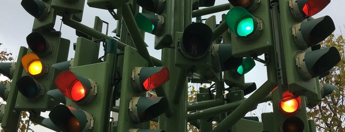 Traffic Light Tree is one of London.