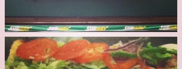 Subway is one of Orte, die Tamires gefallen.