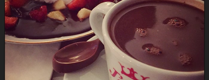J'adore Chocolatier is one of Lugares favoritos de Damla.