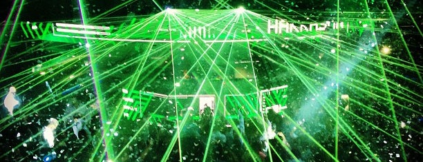Hakkasan Nightclub is one of DJ Mag Top 100 Club (2014).