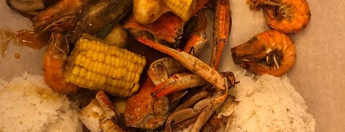 Off The Hook Seafood Restaurant is one of Gespeicherte Orte von Omar.