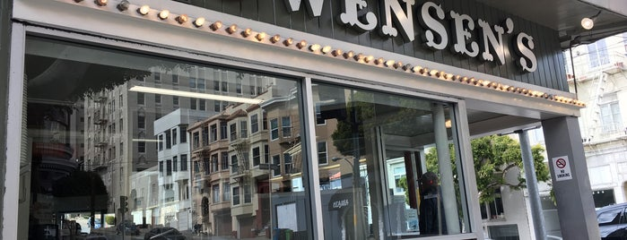 Swensen's Ice Cream is one of Tempat yang Disukai Toy.