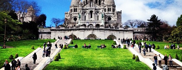 Basilica del Sacro Cuore is one of Paris with kids: sighseeing and dining.