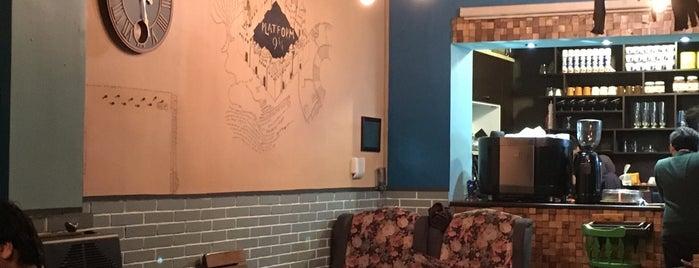 9 3/4  Café | کافه سکوی نه و سه چهارم is one of Lugares guardados de Travelsbymary.