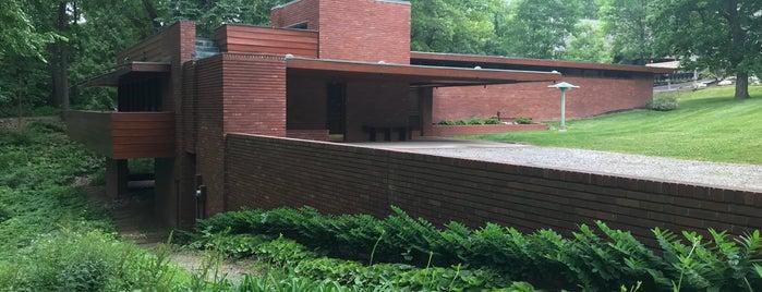 Affleck House is one of Frank Lloyd Wright.