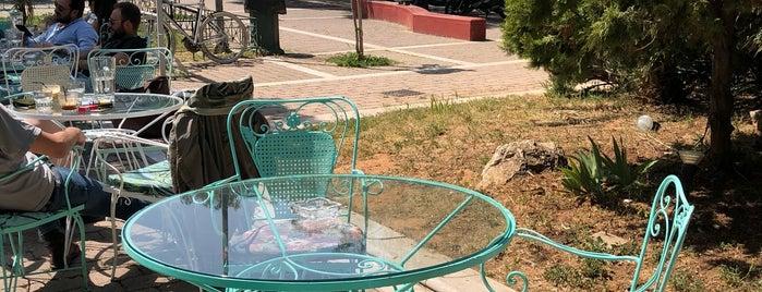 Μπλε Παπαγάλος is one of [To-do] Athens.