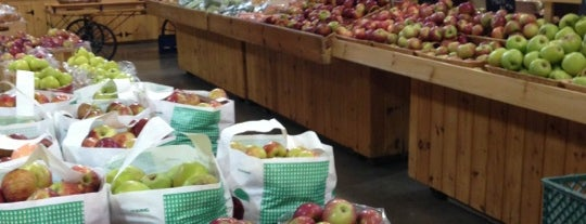 Mann Orchards Farm Store & Bakery is one of Massachusetts.