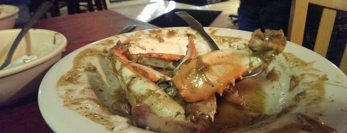 Brother's Seafood is one of Lugares favoritos de Matt.