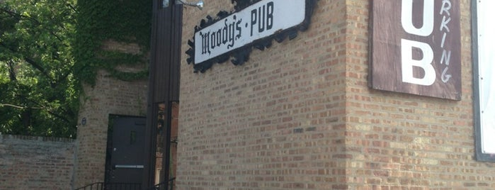 Moody's Pub is one of chicago's best bars.