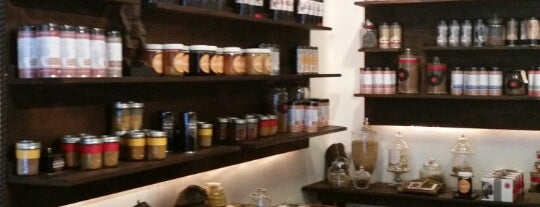 Serengeti Teas & Spices is one of Cafe.