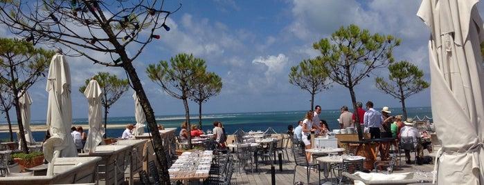 Restaurant La Co(o)rniche is one of Int'l Restaurants.