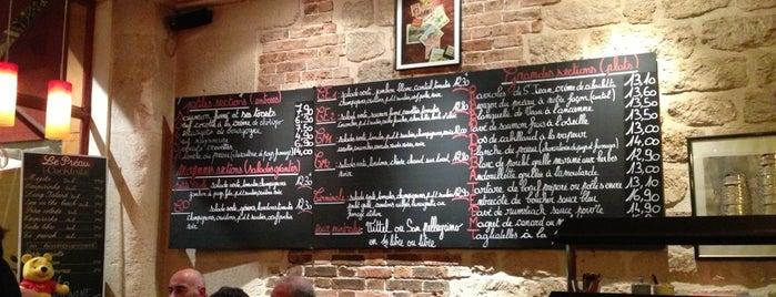 Le Préau is one of Paris restaurants..