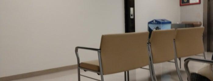 VA Hospital is one of Posti che sono piaciuti a Larry.