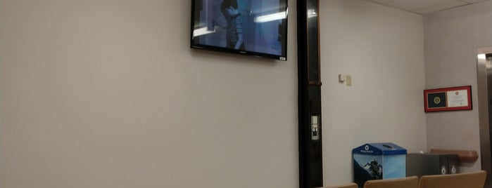 Veteran's Medical Center is one of Posti che sono piaciuti a Larry.