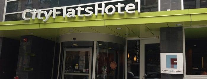 CityFlats Hotel is one of Orte, die Lee gefallen.