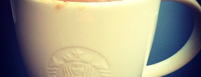 Starbucks is one of Tempat yang Disukai Elena.