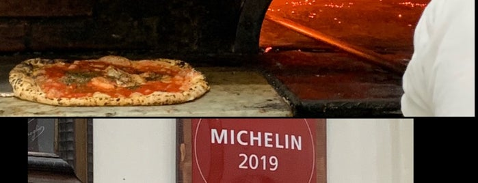 L'Antica Pizzeria da Michele is one of Op. Dr. Fakı AKIN'ın Beğendiği Mekanlar.