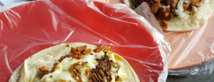 Los Tacos Del Oxxo is one of Lugares favoritos de Dany.