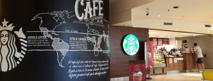 Starbucks is one of สถานที่ที่ Ra ถูกใจ.