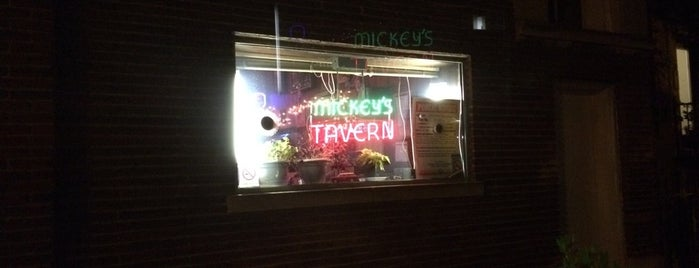 Mickey's Tavern is one of Chicago.