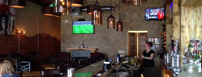 Jefferson Park Pub is one of Gameday Eats & Drinks in Denver.