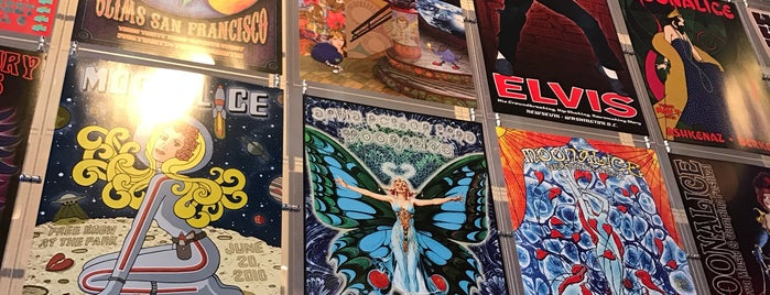 Haight Street Art Center is one of To do.