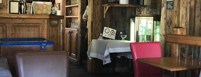 Le Comptoir du Père Sotieu is one of Megeve.