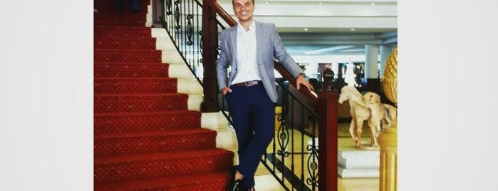 Grand Hotel Excelsior is one of Posti salvati di Saygın.