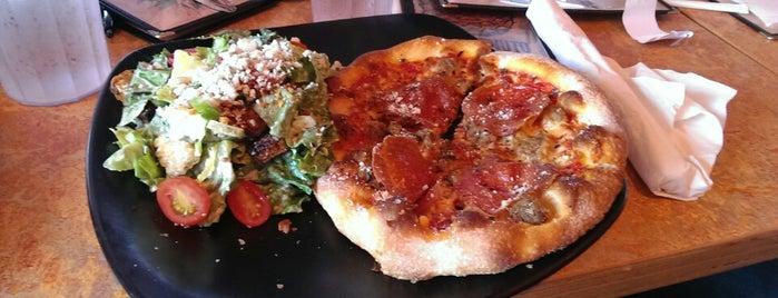 SPIN! Neapolitan Pizza Olathe is one of Gespeicherte Orte von Drew.