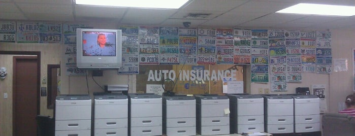 Trail Auto Tag Agency is one of Lizさんのお気に入りスポット.