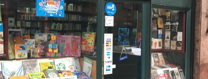 Librería Proa is one of Locais curtidos por Jorge.