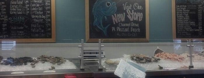 Shore Fresh Seafood Market is one of Tempat yang Disukai Hope.