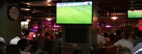 Phoenix Pub is one of Fabio'nun Beğendiği Mekanlar.
